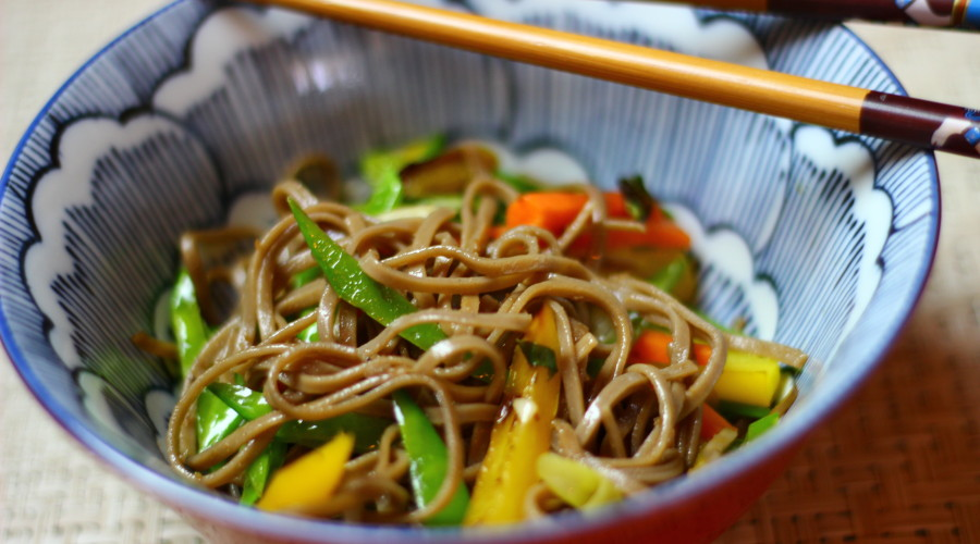 Soba Noodles with Spicy Pomegranate Sauce